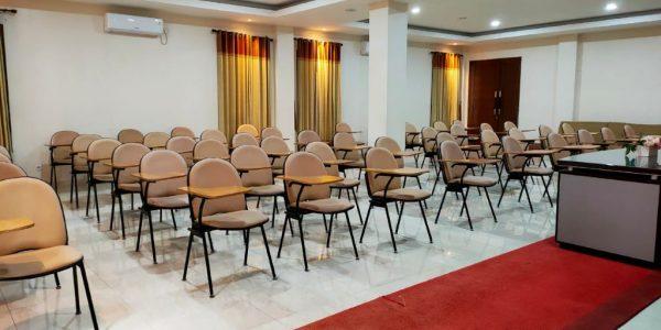 ibs-alkhalifa_aula_indoor
