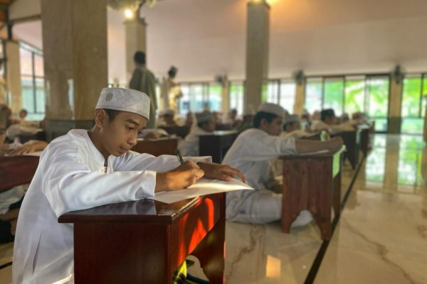 ibs-alkhalifa_ujian_kitab_putra
